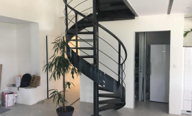 Fourniture et pose d'un escalier à Pau