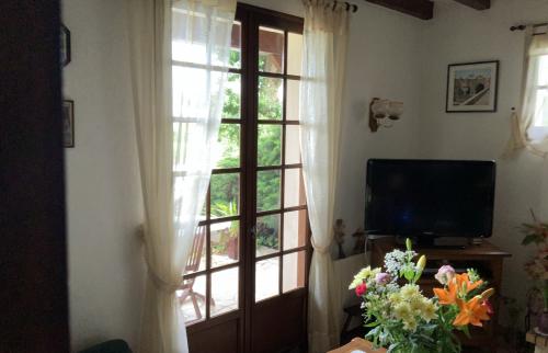 La maison avant travaux par La Maison Des Travaux de Pau